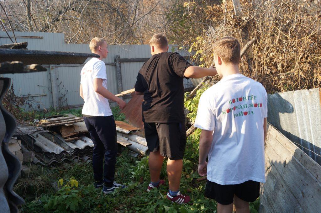 Акция «По наведению санитарного порядка вокруг домовладений одиноких граждан»